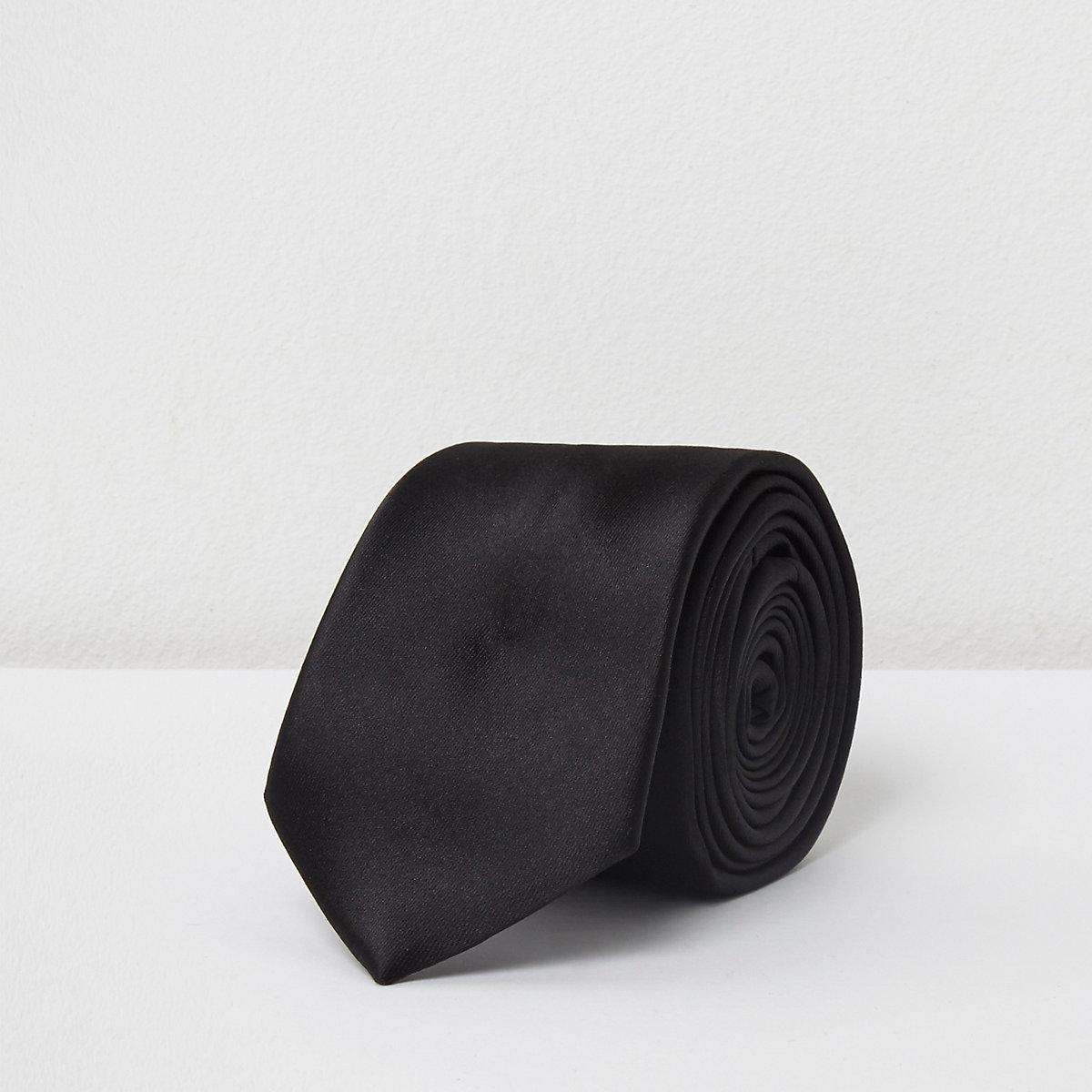 Black tie