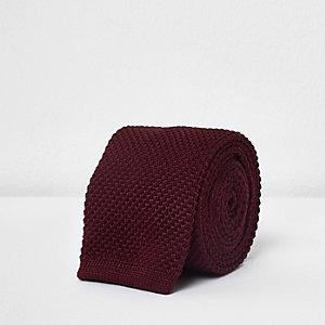 Donkerrode gebreide stropdas