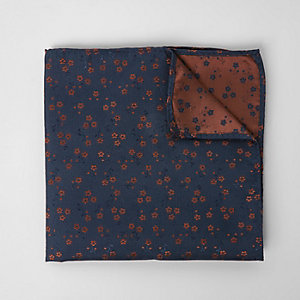 Mouchoir style pochette bleu marine à fleurs