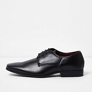 Chaussures habillées noires à lacets