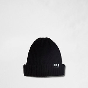 Black ribbed fisherman beanie hat