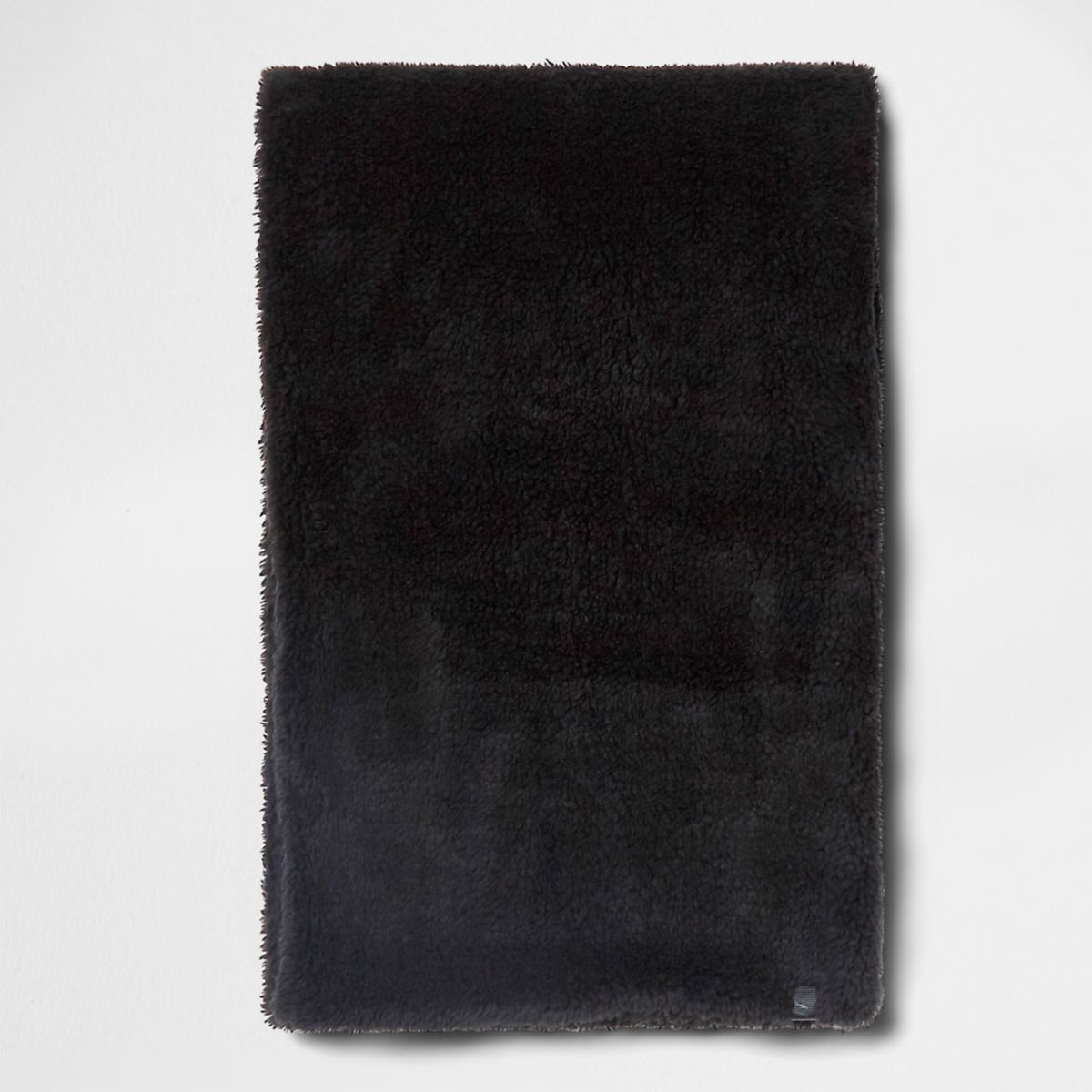 Écharpe duveteuse noire
