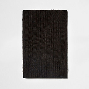 Dark brown ribbed knit scarf