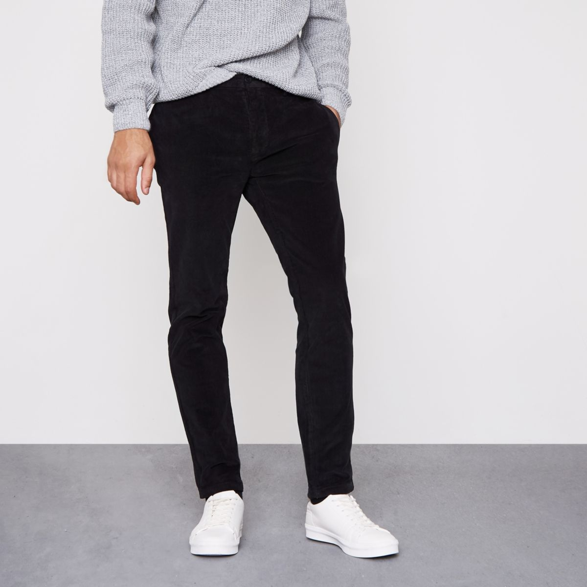Pantalon skinny habillé en velours côtelé noir