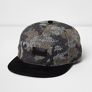 Black camo print flat corduroy peak cap