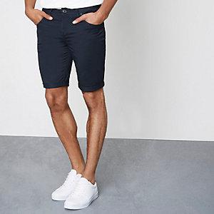 Marineblauwe skinny-fit short