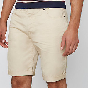 Hellbraune Slim Fit Shorts