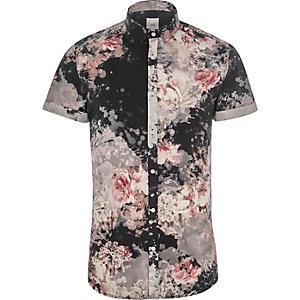 Chemise ajustée à fleurs noire à manches courtes