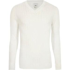 Crème geribbelde aansluitende pullover met V-hals