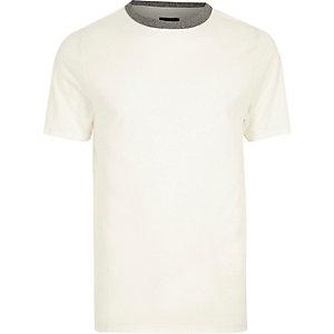Crème slim-fit T-shirt met ronde hals en contrast