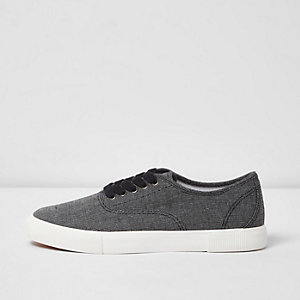 Black canvas contrast sole plimsolls
