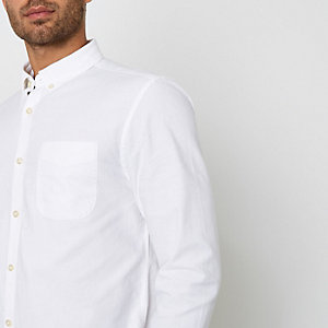 Weißes, langärmliges Buttondown-Oxford-Hemd