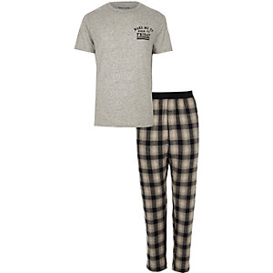 Grey 'wake me up' print check pajama set