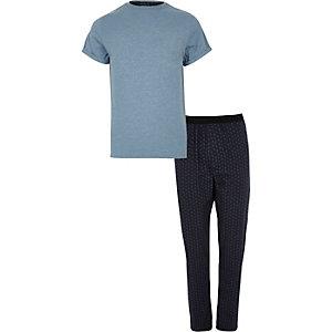 Blauer Pyjama mit Paisleymuster