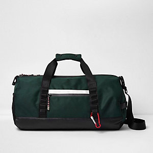 Dark green sporty holdall bag