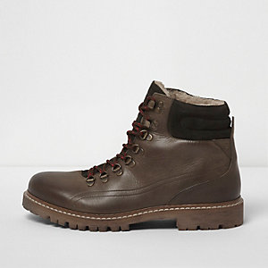Dark green fleece lined lace-up hiker boots