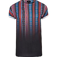 Schwarzes gestreiftes T-Shirt mit Azteken-Print