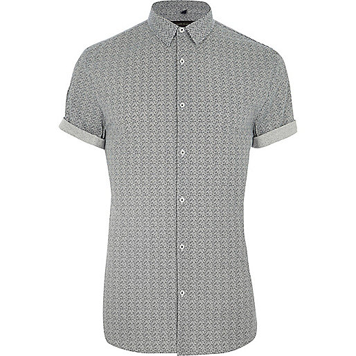 Grey geo muscle fit short sleeve shirt
