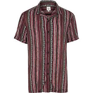 Chemise à motif aztèque rayé violette à manches courtes