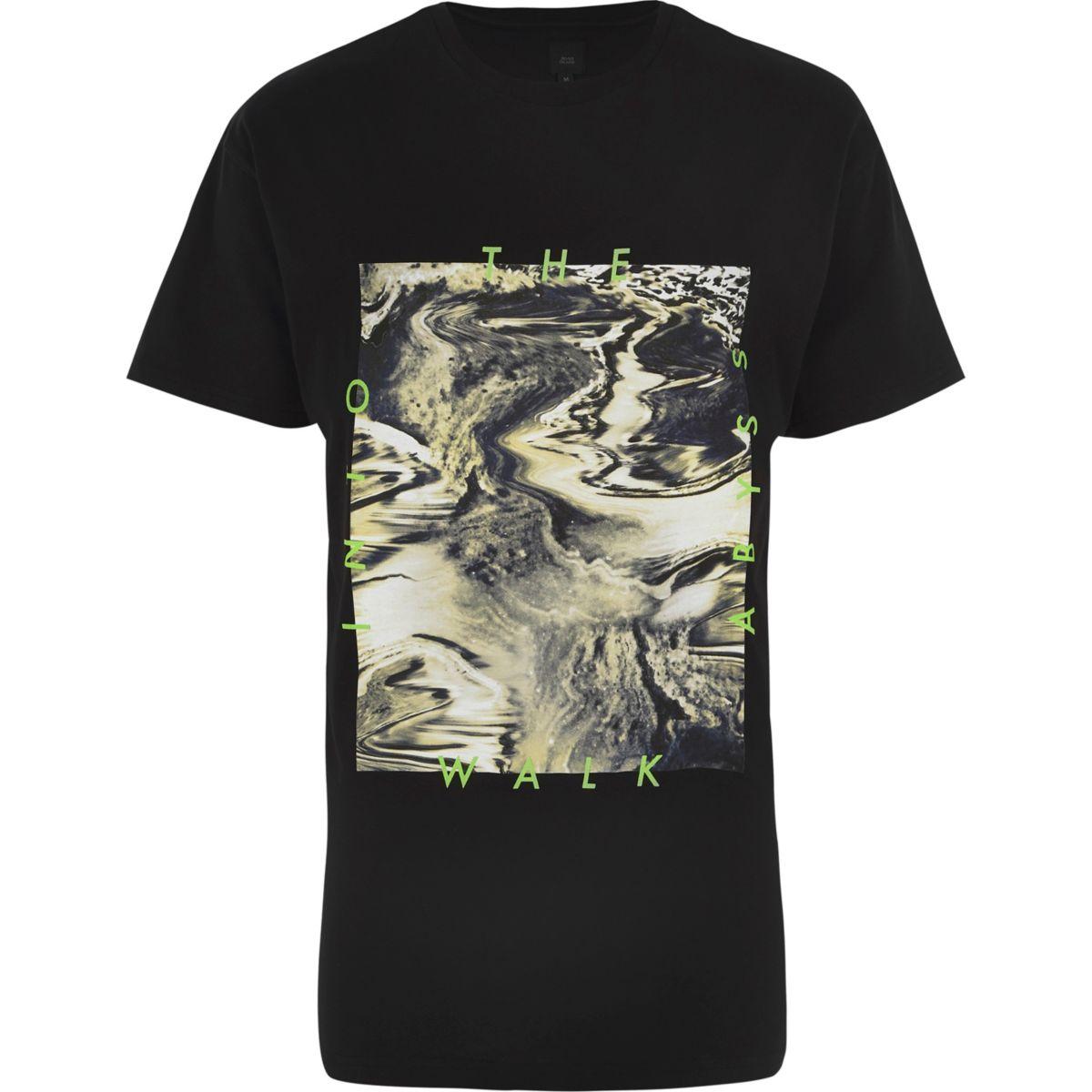 Zwart T-shirt met 'Walk into the abyss' olieprint