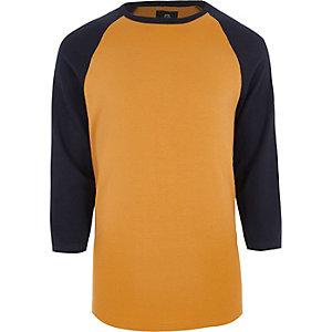 Braunes T-Shirt mit Dreiviertelärmeln