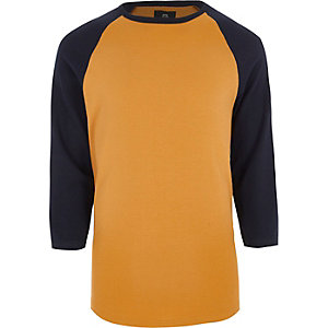 T-shirt jaune à manches trois-quarts raglan
