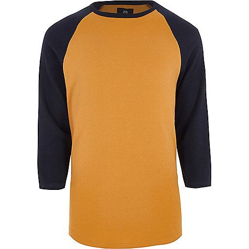 Brown three quarter raglan sleeve T-shirt