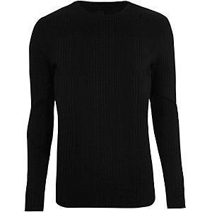 Black ribbed long sleeve knit T-shirt