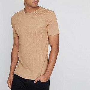 Hellbraunes, geripptes Muscle Fit T-Shirt