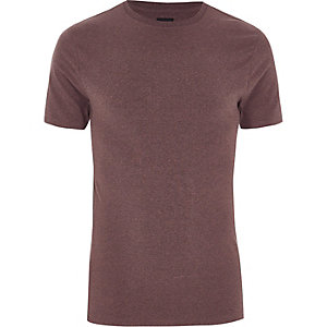 Donkerroze aansluitend T-shirt met ronde hals