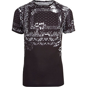 Black floral bandana print muscle fit T-shirt