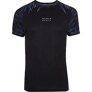 Zwart aansluitend T-shirt met nummerprint