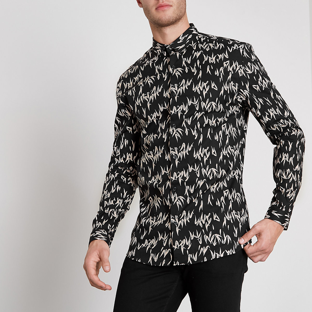 Black droplet print muscle fit shirt
