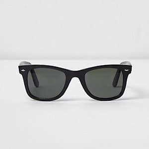 Black retro style green lens sunglasses