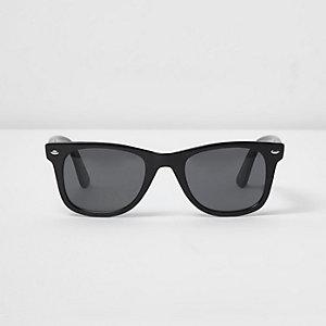 Black retro style smoke lens sunglasses