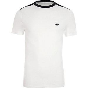 T-shirt ajusté blanc à col ras-du-cou contrastant
