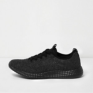 Black knitted sports runner sneakers