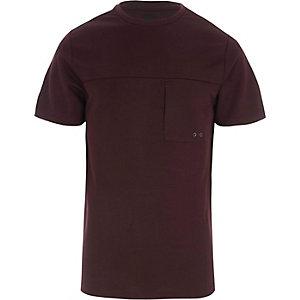Slim Fit T-Shirt in Bordeaux mit Tasche