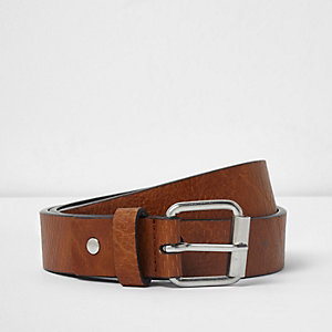 Tan brown textured skinny buckle belt