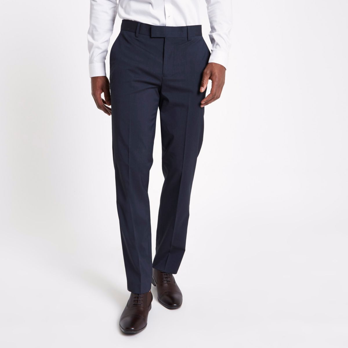 Marineblauwe pantalon met slanke pasvorm