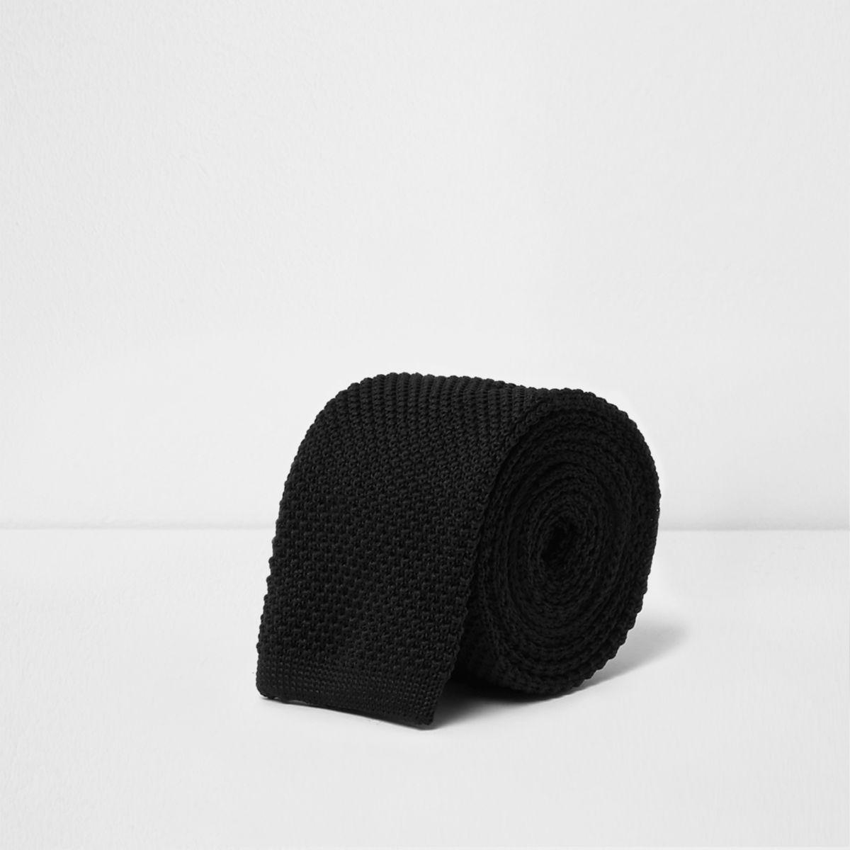 Cravate en maille noire