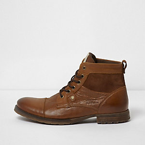 Tan leather and suede toe cap work boots