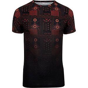 Black tile print fade muscle fit T-shirt