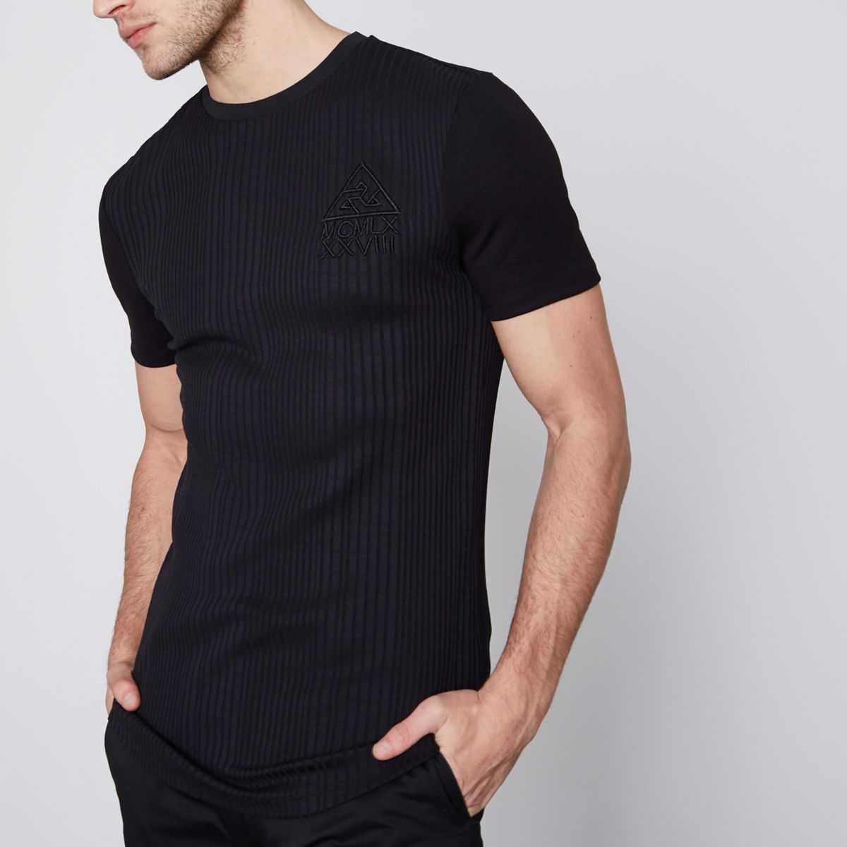 T-shirt long ajusté noir côtelé