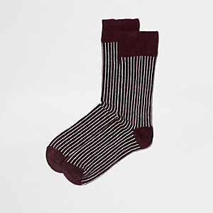 Dark red stripe print ankle socks