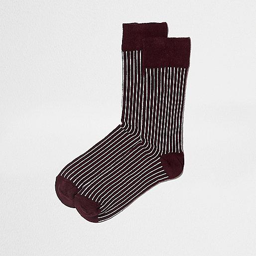 Dark red stripe print ankle socks