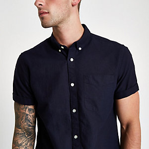 Marineblaues kurzärmliges Oxford-Hemd
