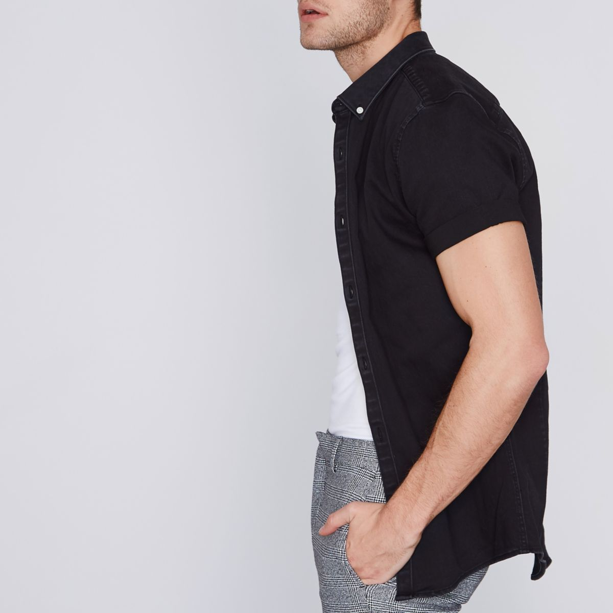 Zwart denim aansluitend overhemd met korte mouwen