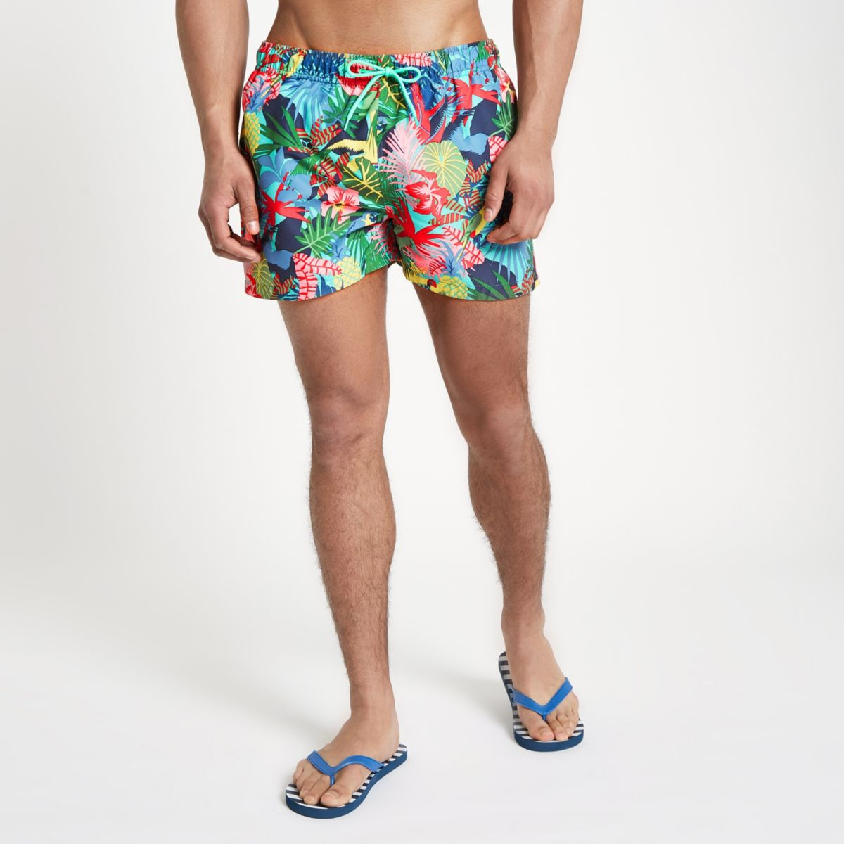 Green jungle print short swim trunks