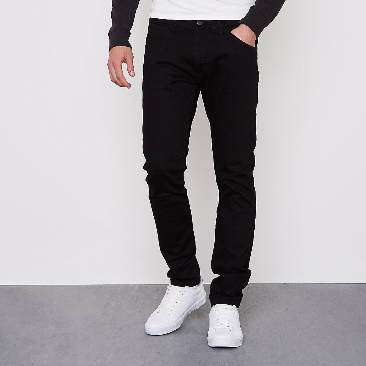 Wrangler – Bryson – Schwarze Skinny Fit Jeans - Skinny Jeans - Jeans ... 3f28e9b2bc